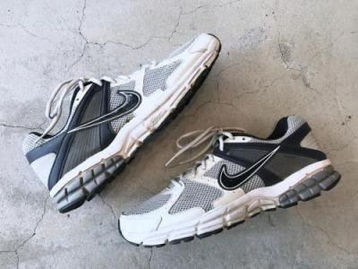 """NIKE"" Zoom Structure"